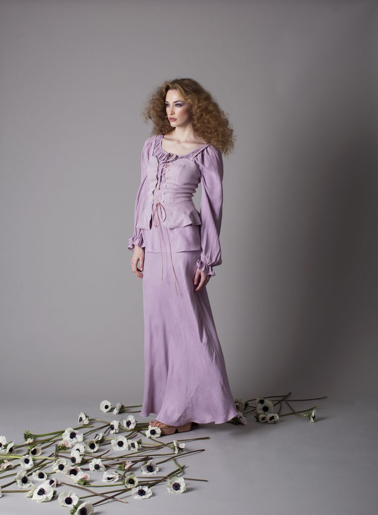 Purple Dresses Inspired by Lady Amalthea's Medieval Gown ...