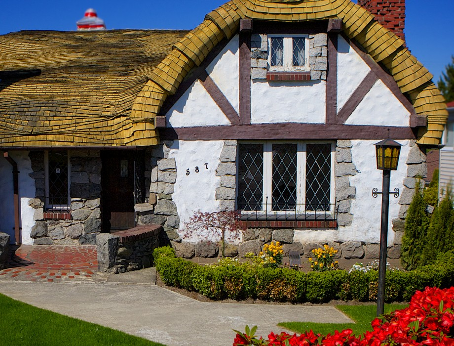 A Real Fairy Tale Cottage in Vancouver, B.C.