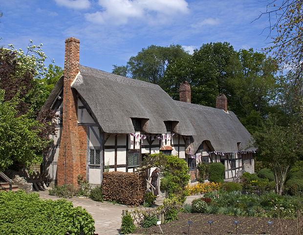 """Anne Hathaways Cottage 1  (5662418953)"" photo by Tony Hisgett from Birmingham, UK via Wikimedia Commons"